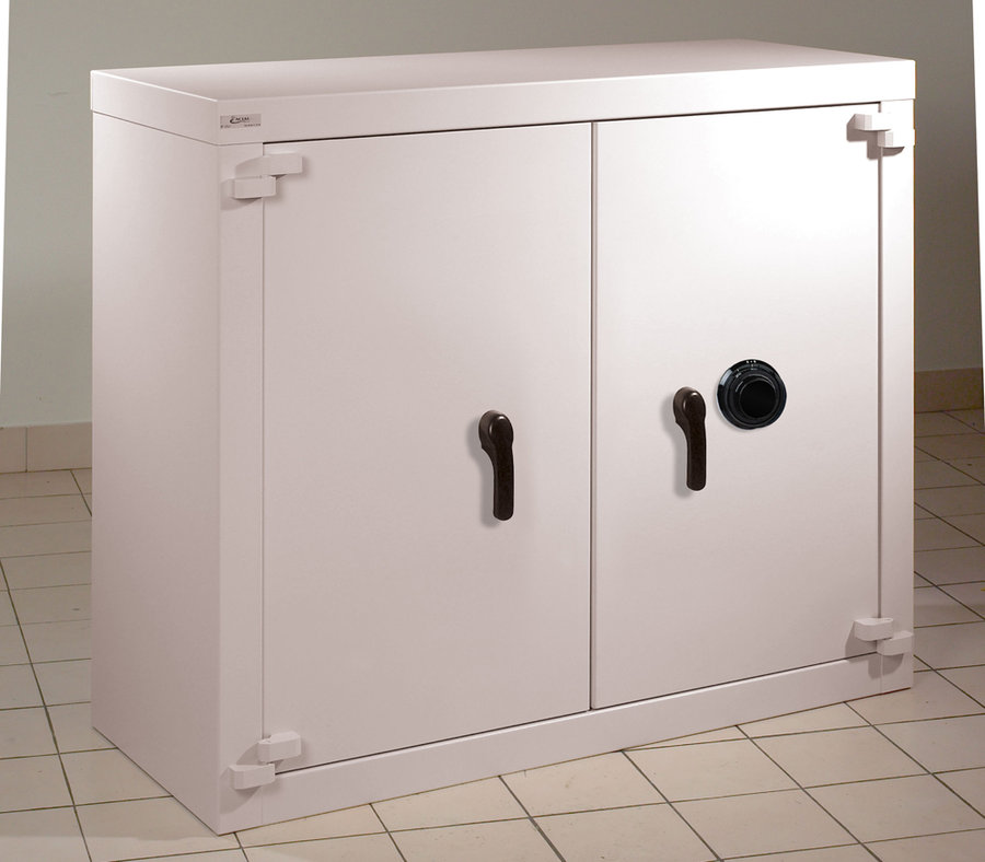 armoire forte basse classe c 2 portes 460 l serrure brouillage manuel. Black Bedroom Furniture Sets. Home Design Ideas