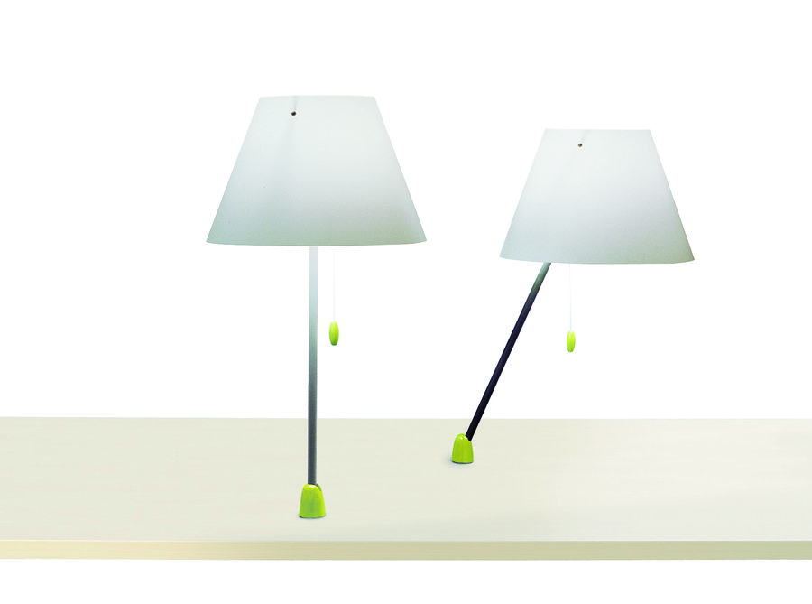 lampe de lecture fluorescente hop fixer sur plan de travail. Black Bedroom Furniture Sets. Home Design Ideas